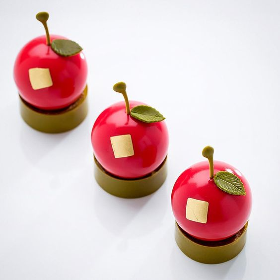 RED APPLE ENTREMET