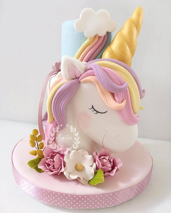 LITTLE UNICORN CAKE
