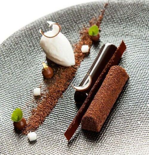 FULL CHOCOLATE TART REVISITED